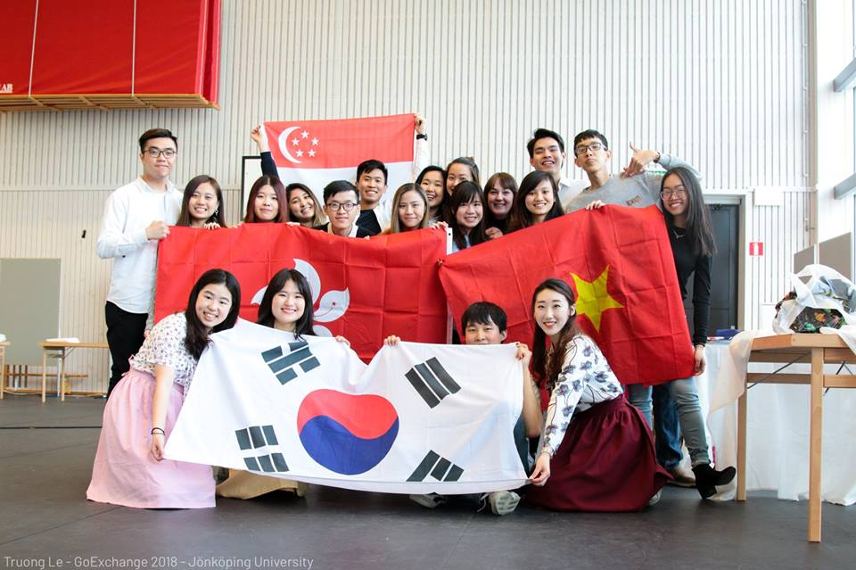 International Fair at Jonkoping Unviersity - Truong Le & Linh Vo - Spring Exchange Sem of AY 2017-2018