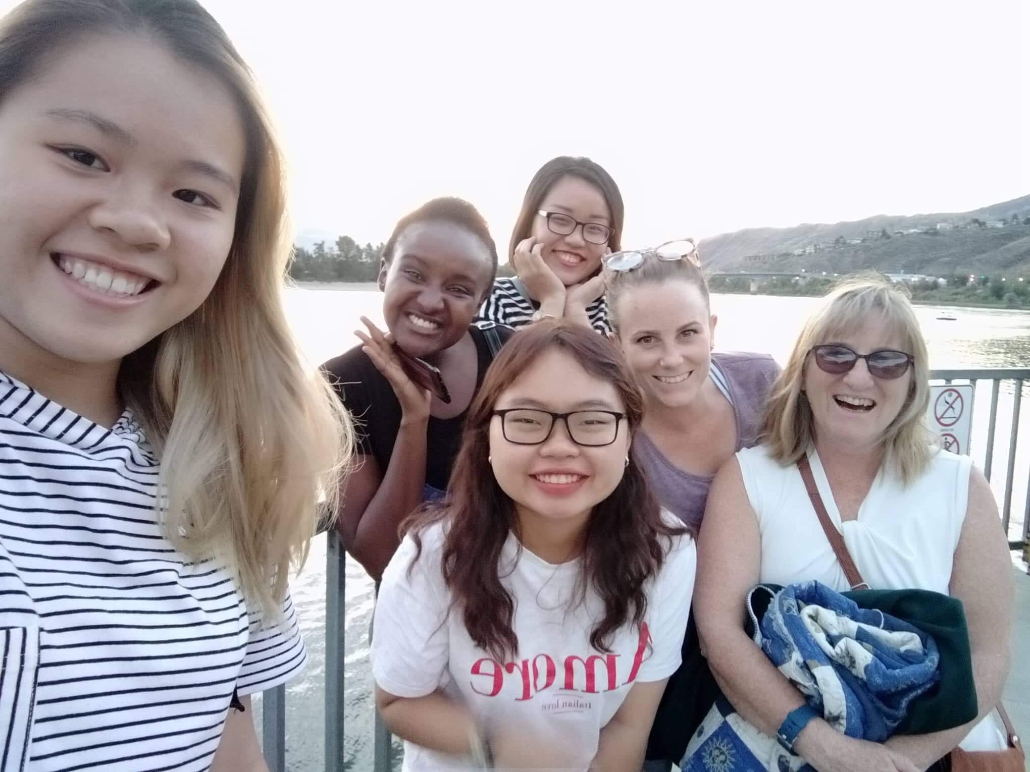 Canada - Cam Anh & Thu Ngan - Fall Semester of AY 2019-2020 (2)