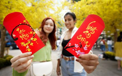 Lunar New Year (Tet) in Ho Chi Minh in the eyes of 2 girls from Spain and Korea